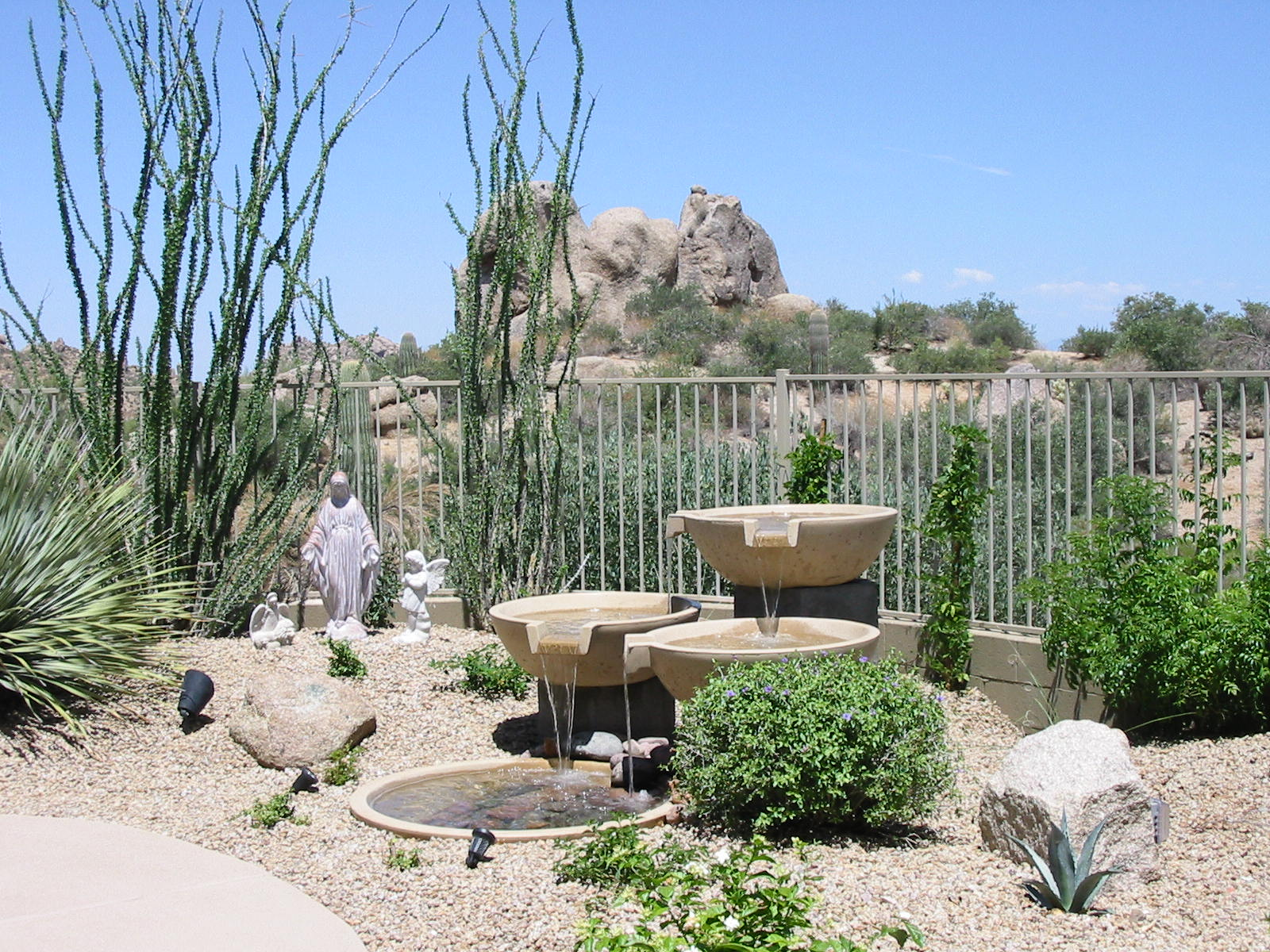 Small Landscaping Rocks Sale