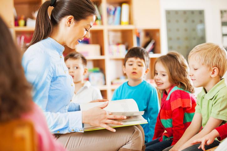 Entenda a importância da contação de histórias na educação