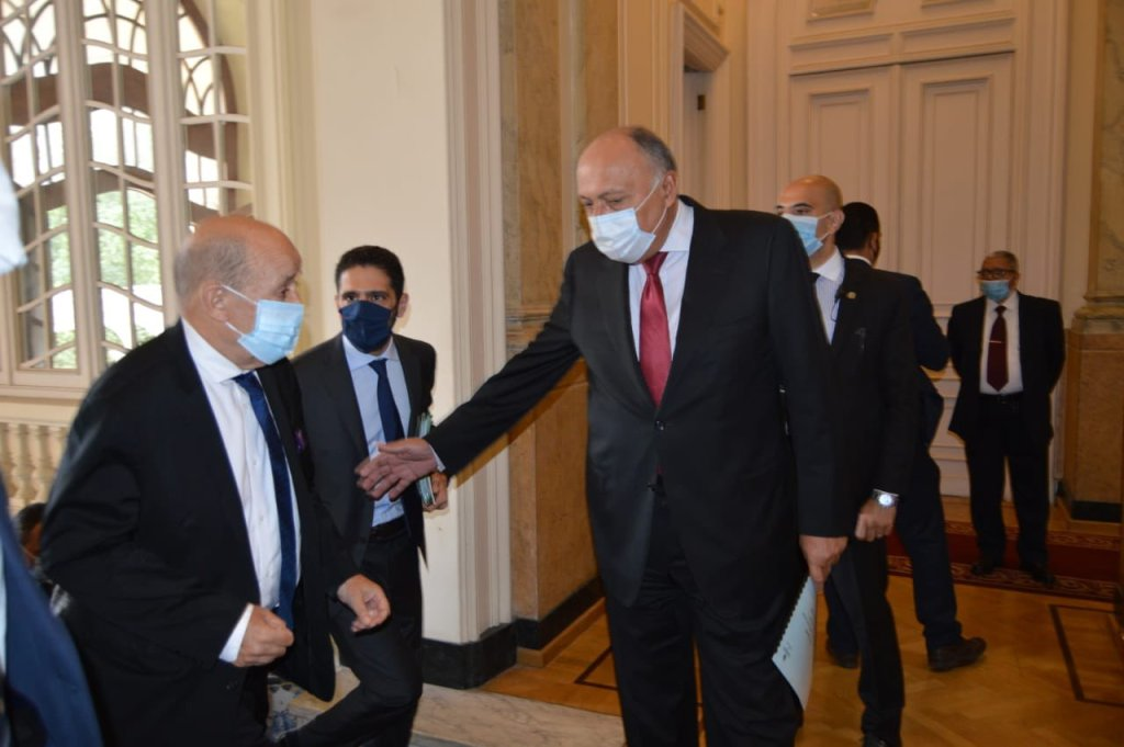 Shoukry, Le Drian Hold Bilateral Talks in Cairo