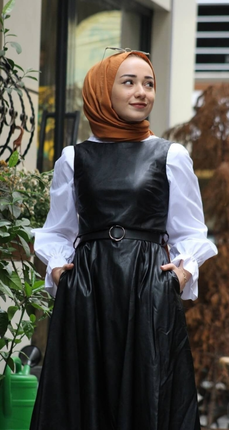 Leather is suitable for veiled women