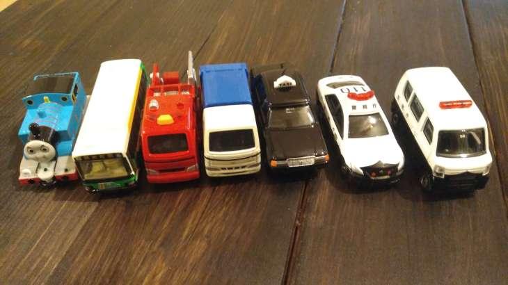 トミカの車種のおすすめ。初めてのトミカやプレゼントに人気7種購入!