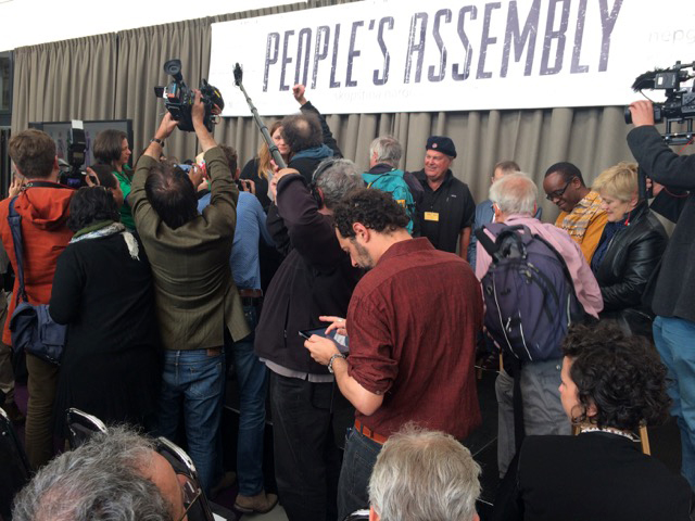 The media going wild at the begining of the Peoples Assembly!
