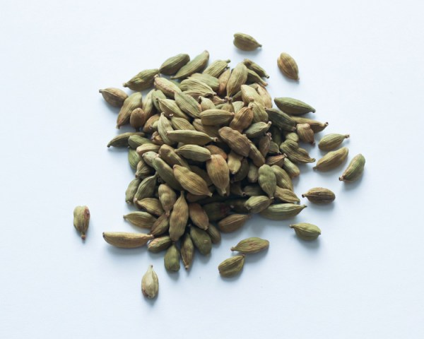 green cardamom - whole pods