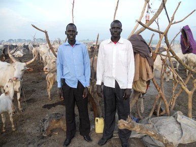 Arok and Ghak in cattle camp_800