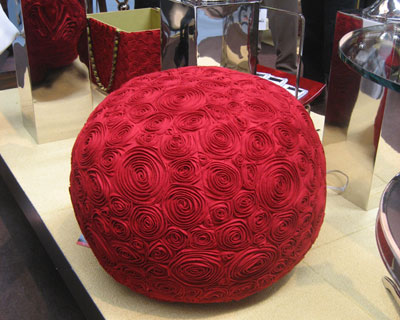 Global-Views-red-roses-felt.jpg