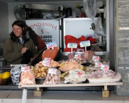 Booth displaying frutas del mar