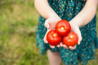 what happens to your body when you eat tomatoes