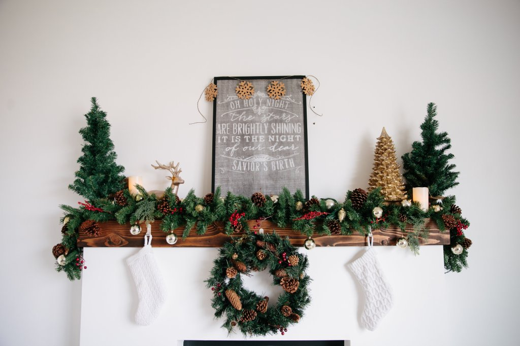 View More: http://kayla-brooke.pass.us/christmas-fireplace