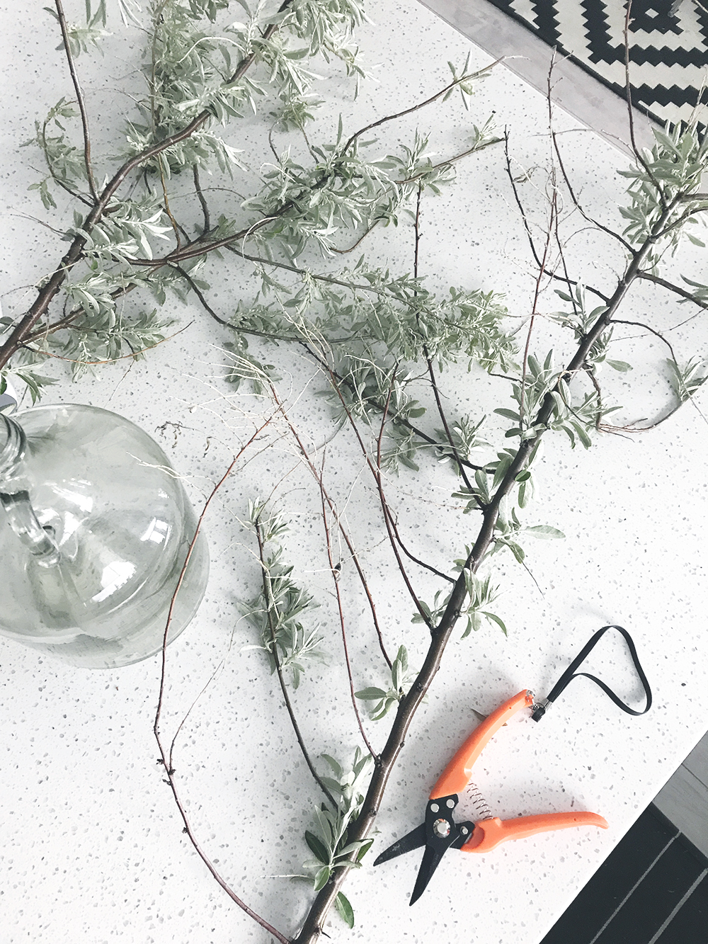 How to use branches for a centerpiece