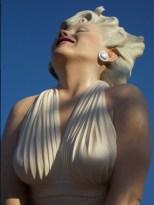 M. Monroe statue