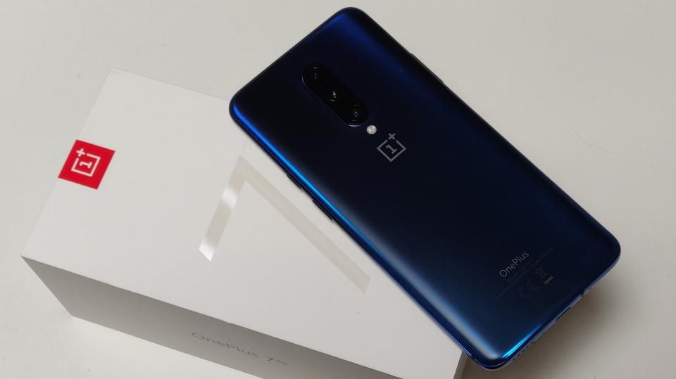 differently 1cb29 f7aa8 OnePlus 7 Pro Overheating While Charging
