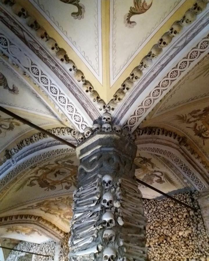 Knochenkammer Evora