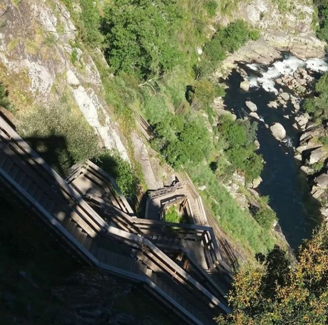 paiva walkway treppen portugal  schlucht