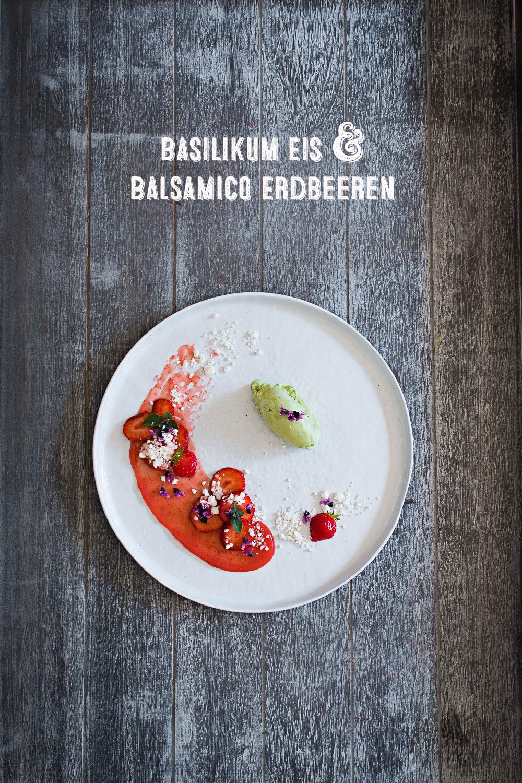 Basil Ice Cream   Balsamic Strawberries   seelenschmeichelei.de