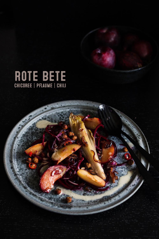 Rote Bete Salat   karamellisierter Chicoree   Pflaumen   seelenschmeichelei.de