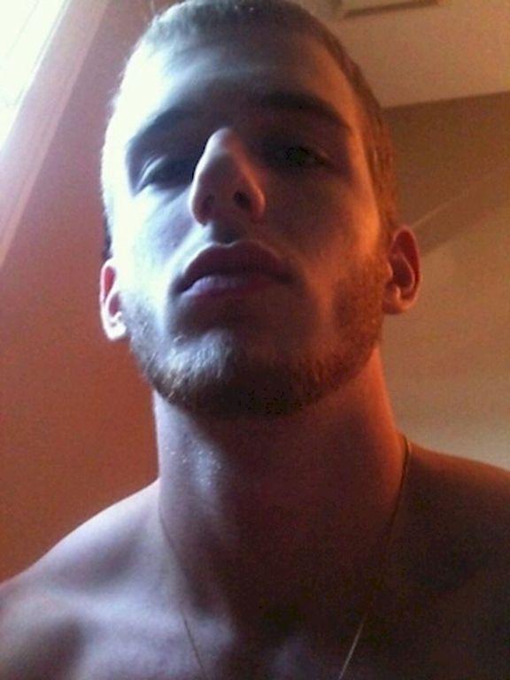 curious male that loves amateur jocks guys