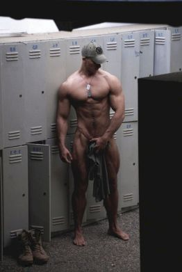 hot military straight men nude pictures