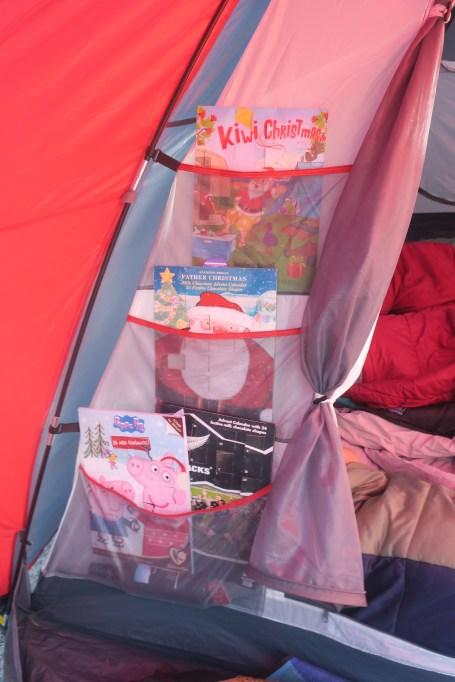 Zelt mit Adventskalenderhalter