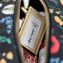女神符牌可以放在包包中隨身攜帶,隨時守護。