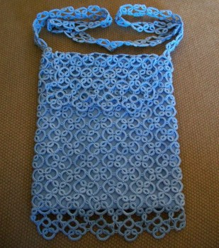 Purse made of tatted tiles