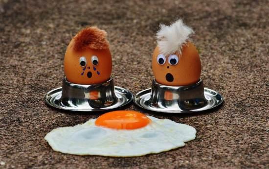 Huevos tristes