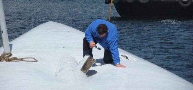 """Der Kielstumpf der """"Rambler"""". Die Finne ist abgebrochen, die Neige-Mechanik scheint intakt. © www.baltimoreseasafari.ie"""