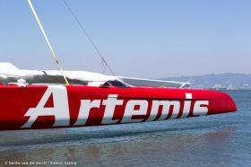 Der erste von zwei geplanten AC72 Neubauten für Artemis Racing. © Sander van der Borch/Artemis