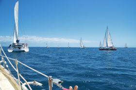 Die Madagaskar-Flotte fährt voraus. © Sailing Conductors