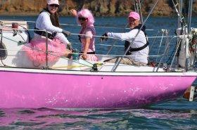 Thomas Watson und Mitstreiterinnen bei der letzten Pink-Regatta © ariane paul