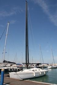 Geteilter Mast mit Wishbone-Profil © omer sails