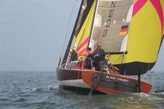 Alles eine Frage des Blickwinkels: von hinten sieht sie richtig gefährlich aus, die Maggy © spezialbootsbau