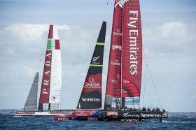 Erstmalig gemeinsam. Emirates Team New Zealand und Luna Rossa mit ihren baugleichen neuen AC72. © Chris Cameron /ETNZ