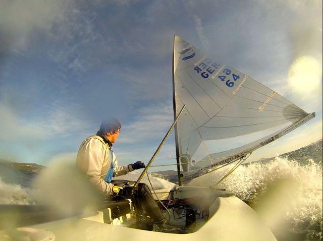 Finn Dinghy vor dem Wind