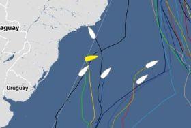 Bernard Stamm (gelb) kreuzt auch nahe der brasilianischen Küste.
