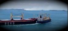 Kollision zweier Frachter vor Singapur.