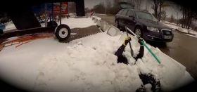 Helge Spehr mit Laser Pinne im Schnee