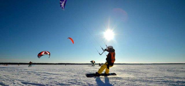 Kiter mit Snowboard