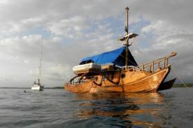 Piratenschiff, katamaran, Holz