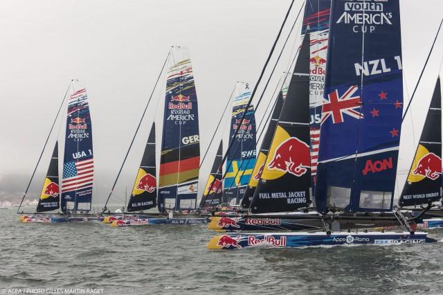 Starker Start vom All In Racing Team zu Beginn und Rang zwei an der ersten Tonne führte zu Platz fünf im Lauf. © ACEA /  GILLES MARTIN-RAGET