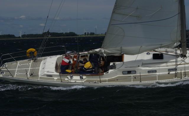 Bald läuft sie wieder bestens am Wind – ohne dieses lästige Klappern und Spiel im Ruder © Swedesail