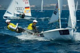 Die USA bei den 470er Frauen in Führung. Die deutschen Frauen sind dran. © Franck Socha / ISAF Sailing World Cup Hyeres