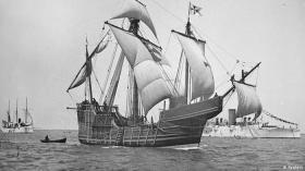 """Ganz sicher sind sich die Historiker nicht, aber so soll sie etwa ausgesehen haben: Nachbau der """"Santa Maria"""" © Maritime museum"""