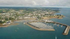 Von so einem Hafen an der Cote d'Armor könnten die Schleuser losgesegelt sein © Tourismus cote d'armor