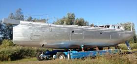 Flaches Unterwasserschiff, Doppelruder und Hubkiel: der Rohbau der Bestevaer 66 T © K&M Werft