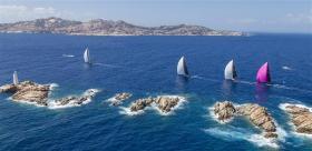 Die Reichen und die Schönen (Schiffe) vor der Costa Smeralda/Sardinien © Borlenghi