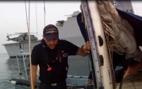"""""""Da wollen wir doch mal sehen, was diese Yachties wieder verbockt haben"""" © NAVFOR"""