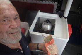 Hmmmm, lecker Beutel-Futter bei Knox-Johnstons an Bord © knox-johnston
