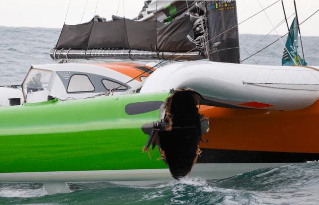 """Und aus der Traum vom Sieg: Zoom auf den Steuerbordschwimmer von Covilles """"Sodebo""""! © courcoux"""