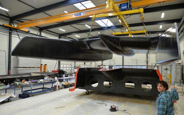 Der kürzlich fertig gestellte Rumpf des Prototypen © Holland composite