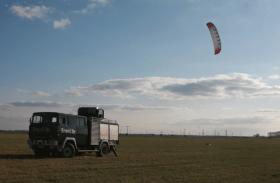 Enerkite in Aktion und im Laster wird energie gespeichert. © enerkite